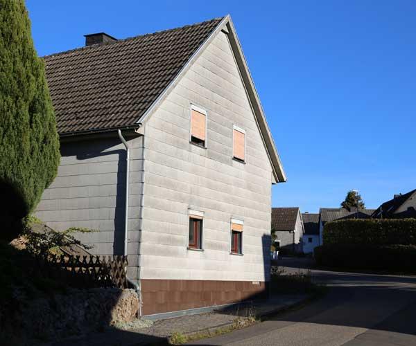 Asbestarbeiten an Asbestfassade durchführen. Reinigung nach TRGS -519 München