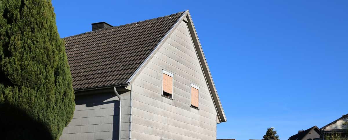 Asbestarbeiten an Asbestfassade durchführen. Reinigung nach TRGS -519
