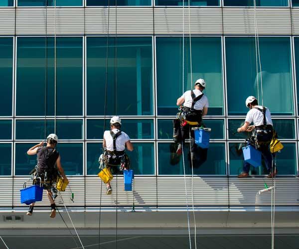 Speedy's Gebäude- und Fassadenreinigung. Ihr kompetenter Partner in München und ganz Bayern