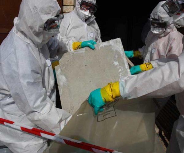 Fachgerechter Umgang mit Asbest Speedy's Gebäude- und Fassadenreinigung